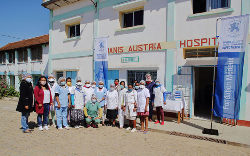 Lutte contre la COVID-19 : la Fondation Mérieux apporte son soutien à l'association Akamasoa et l'Oscape à Madagascar.