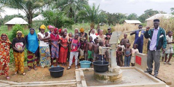 LIFE ONG : la construction de puits en Afrique contre la crise de l'eau potable.