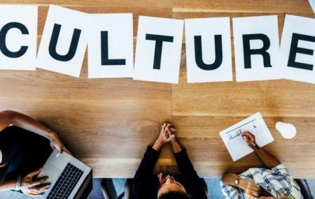Un consortium français lance une plateforme de formation en entrepreneuriat culturel en Afrique