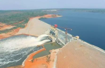 Le Cameroun lance la construction d'un pont de 9 milliards de FCFA facilitant la mobilité vers le barrage de Lom Pangar