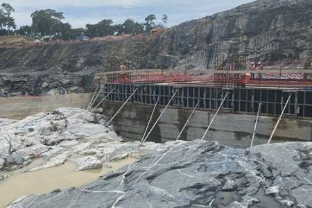 Conçu en partenariat avec EDF International et la SFI, le projet hydro-électrique de Nachtigal générera 4,5 MW d'énergie supplémentaire non facturée
