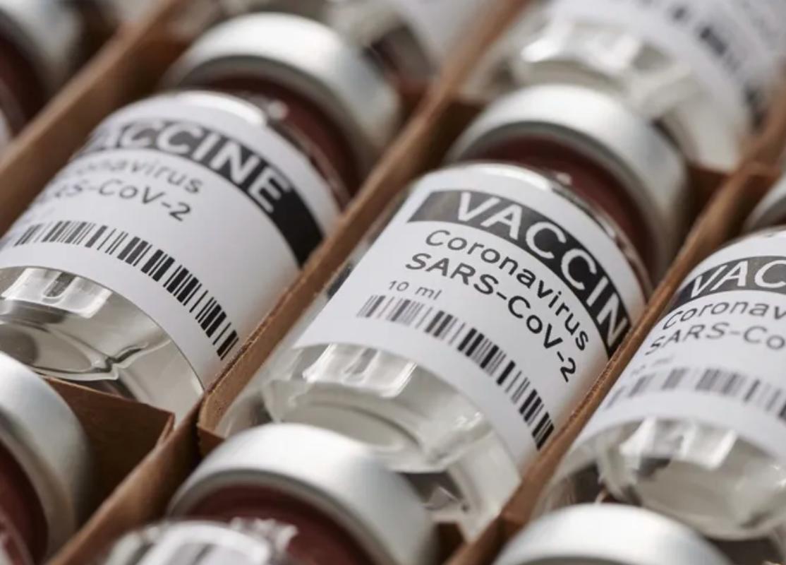 Vaccins contre le Covid-19 : la France s'engage à doubler le nombre de doses données